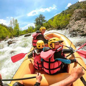 Du rafting sur le fleuve Golo