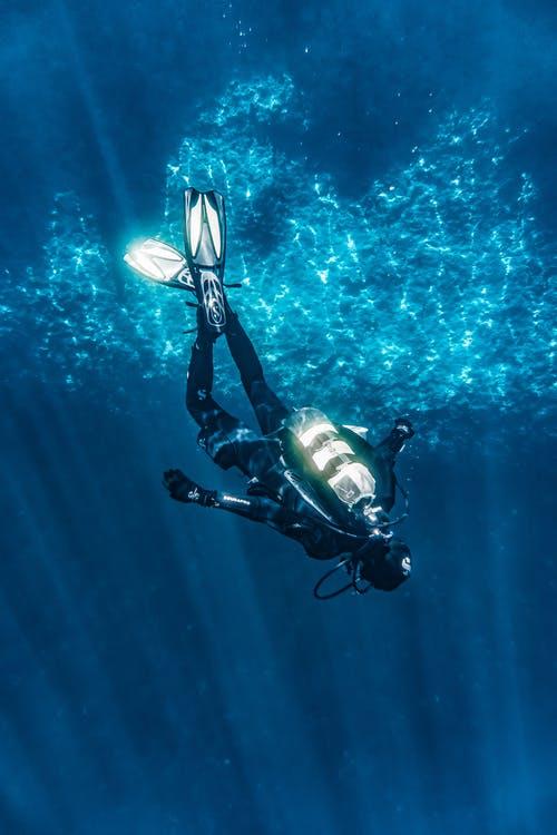 Une séance de plongée à Bonifacio