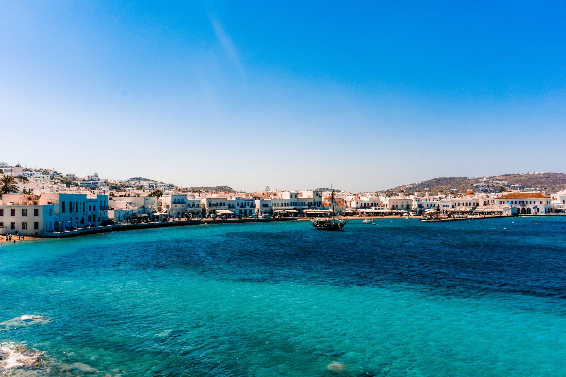 eau turquoise en Grèce, cyclades