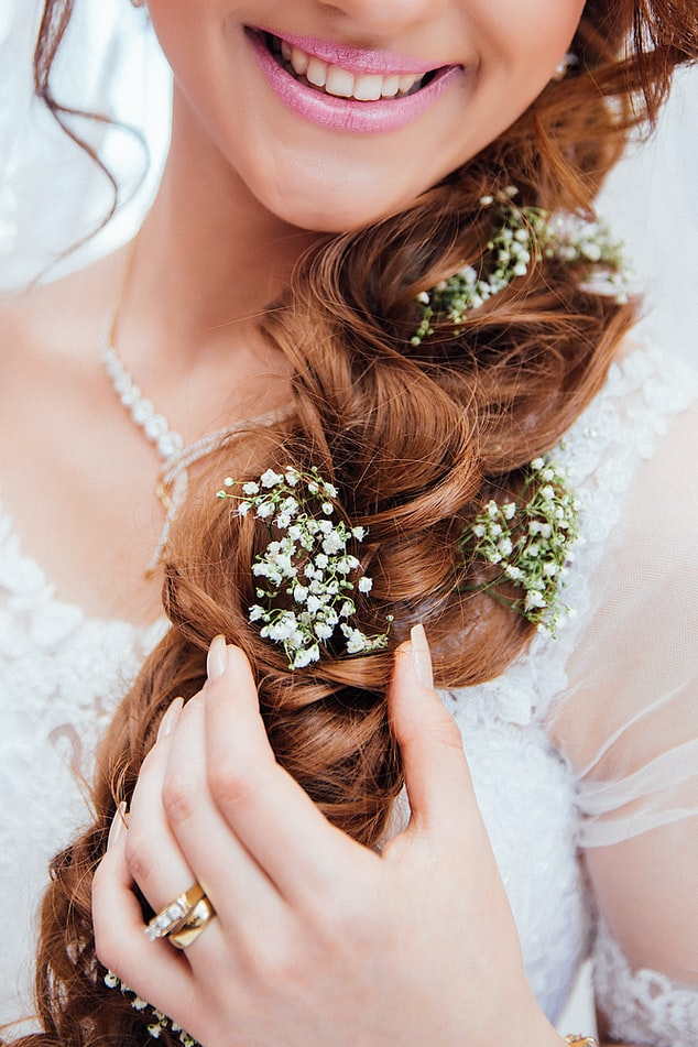 coiffure mariage fleurie
