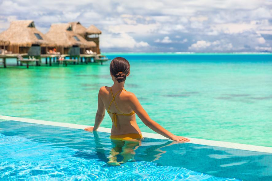 villas de luxe avec piscine à débordement Maldives