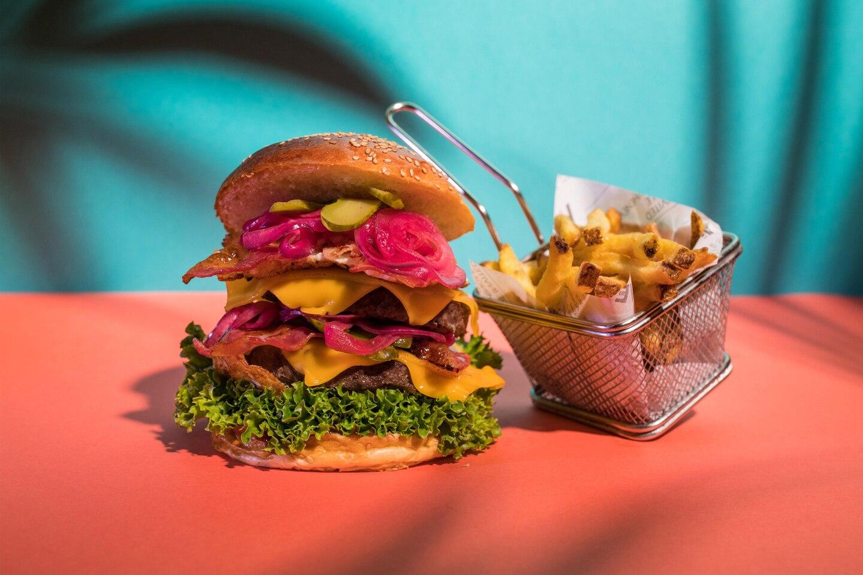 burger w hotel