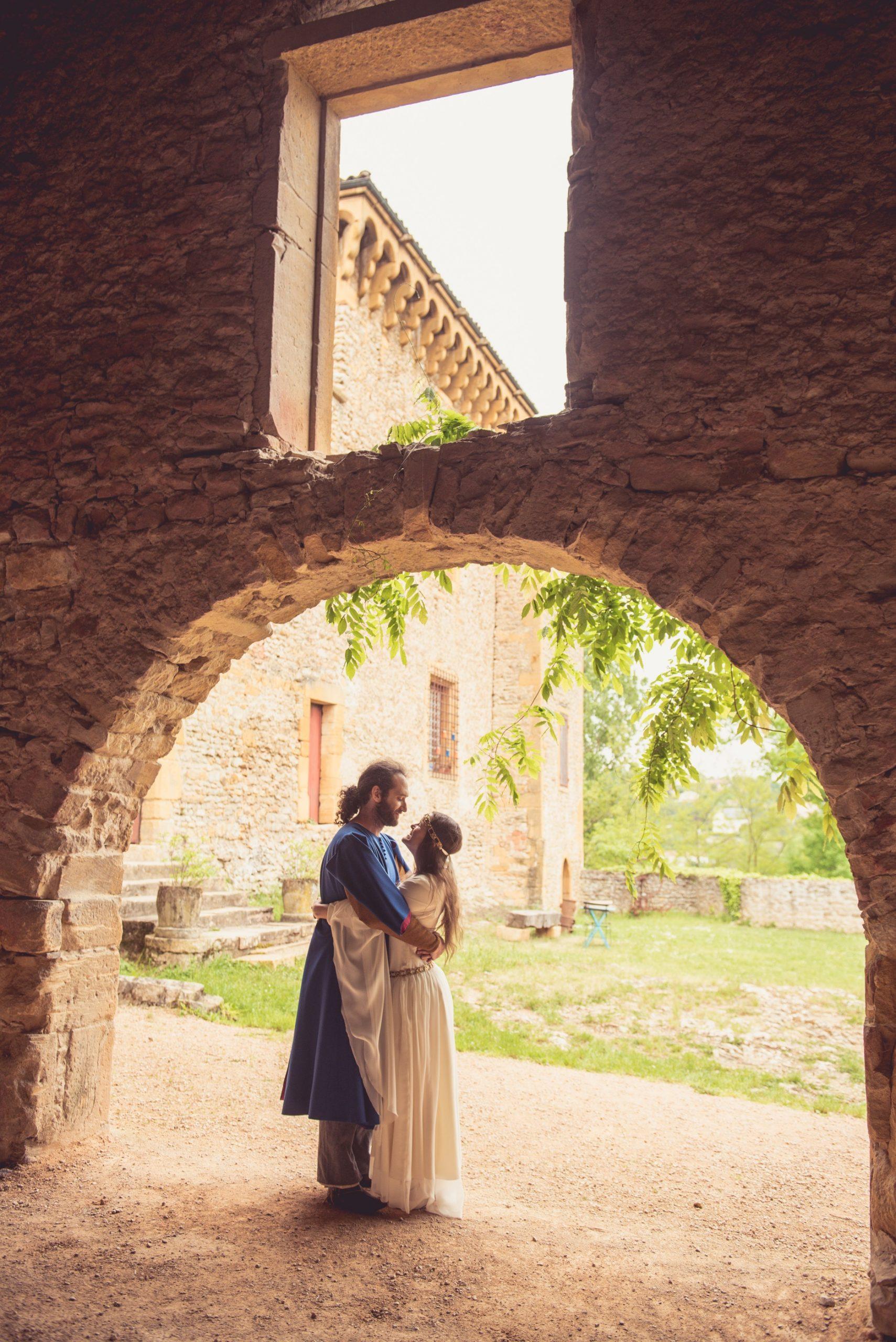 mariage médiéval mariés