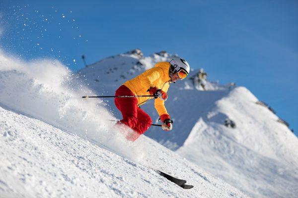 Ski dans les montagnes de l'Atlas