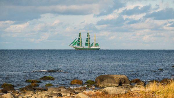Un jour de grand voilier en direction de la vierge île de Tivua