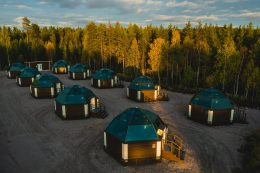 automne - arctic snowhotel & glass igloos
