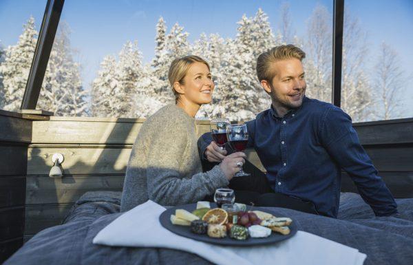 repas jeunes mariés - arctic snowhotel & glass igloos