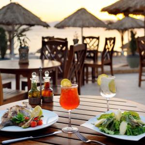 Un déjeuner dans un restaurant local de la station balnéaire Aqaba