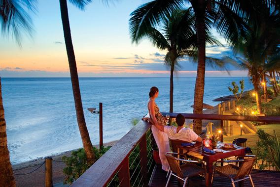 sundowner restaurant outrigger fidji beach resort