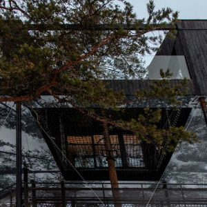 hotel tree hotel