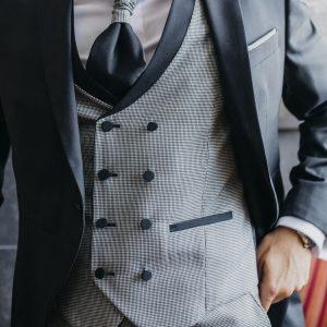 costume classique à carreaux