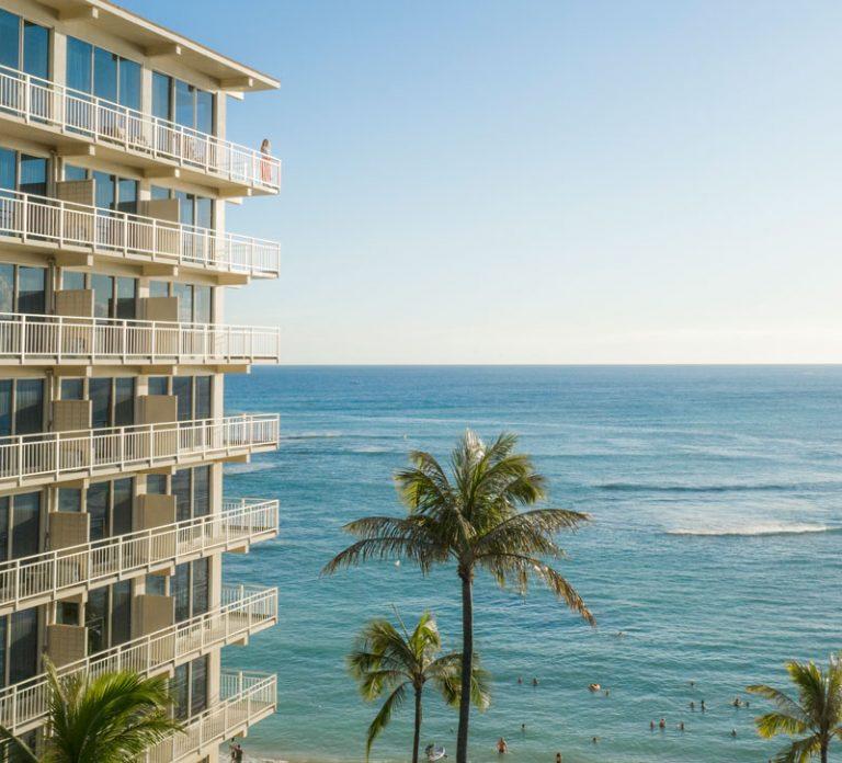 l'établissement kaimana beach hotel