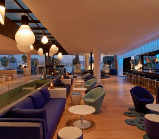 bar lounge w barcelona hotel