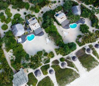 photo vue de haut des villas du white sand luxury villas & spa à Zanzibar
